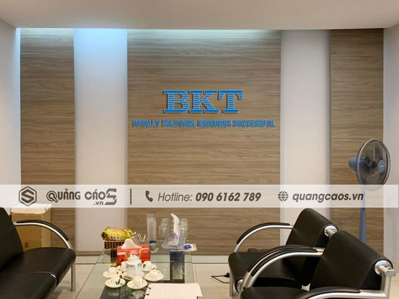 vách logo công ty BKT