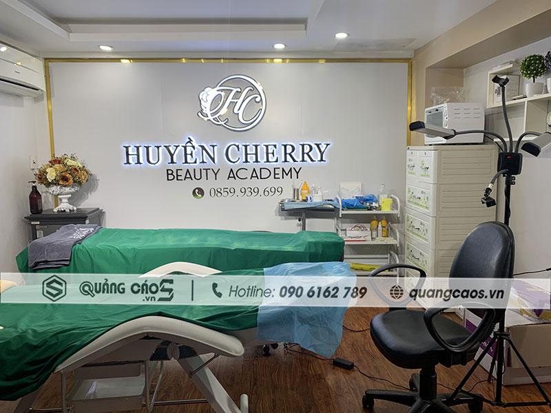 Vách quảng cáo Spa Huyền Cherry