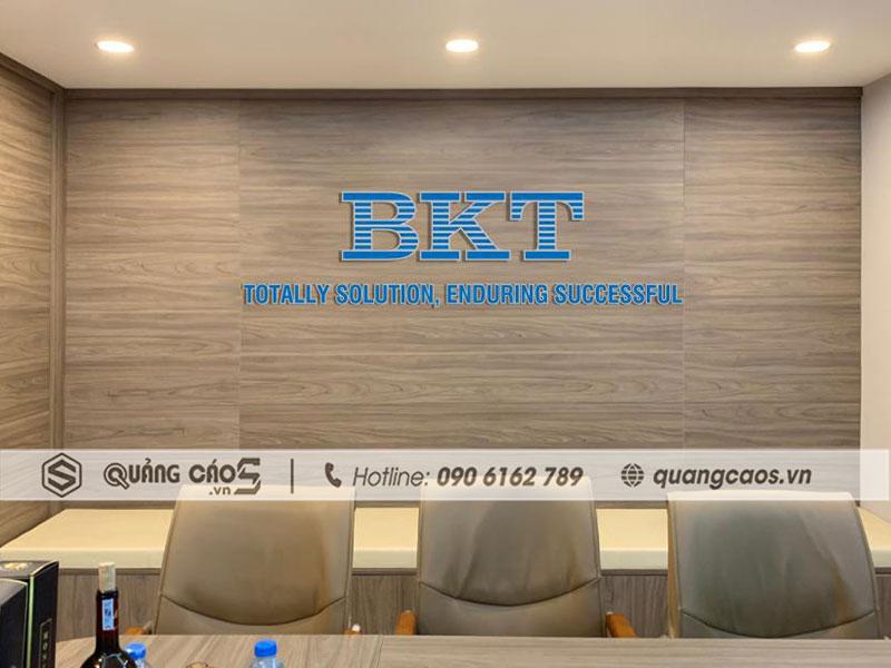 Vách logo công ty BKT tại KCN Nam Cầu Kiền Hải Phòng
